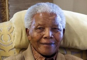 Nelson Mandela se encuentra bien y su salud mejora
