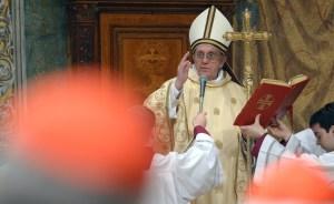 Papa Francisco celebra el primer Viernes Santo de su pontificado