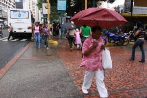 Fuertes lluvias azotan nuevamente a Caracas este #18Oct (Imágenes)