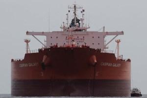 Más de 40 tanqueros extranjeros esperan por petróleo en Amuay, denuncia líder sindical