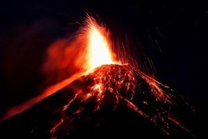 Volcán de Fuego en Guatemala entró en erupción