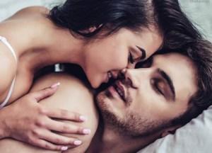 Por culpa del porno estamos haciendo mal estas posturas en la cama