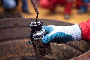 Pdvsa busca auxilio para que empresas privadas puedan operar en campos petroleros
