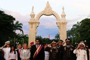 """ABC: Militares torturadores, sancionados y un """"showman"""", entre los candidatos de Maduro"""