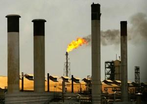 Pdvsa no llega a producir 70 mil barriles diarios de gasolina a pesar de reactivar unidades en Cardón y Amuay