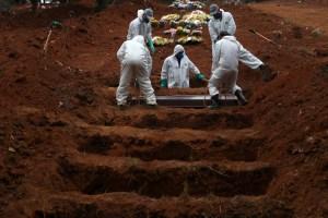 Brasil roza las 250 mil muertes tras casi un año de pandemia