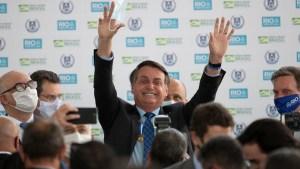 Según encuesta brasilera Jair Bolsonaro caería seis puntos en aceptación