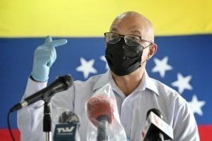 Humberto Prado felicitó a las enfermeras en su día: Trabajan incansablemente sin contar con los utensilios necesarios