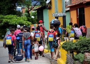 La ONU reportó que al menos dos mil venezolanos cruzan diariamente la frontera hacia Colombia