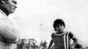"""""""Es un enano, si tiene 8 años, yo soy Gardel"""": El relato en primera persona del """"milagro"""" del """"descubrimiento"""" de Diego Maradona"""