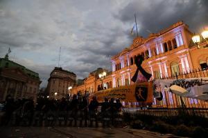 EN VIVO: Miles de personas despiden a Diego Maradona en la Casa Rosada