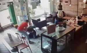 Venezolano golpeó y arrastró a empresario para robarle una cadena de oro en Perú