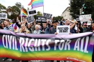 """Comunidad Lgbt+ de EEUU se acerca a la """"libertad"""" tras aprobación de ley en Cámara de Representantes"""