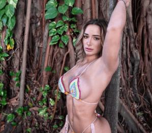 """Aceitada y lista pa'  la foto: La sensualidad de Bruna Luccas te dejará """"toweltoloco"""""""