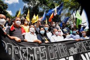 Fuerzas democráticas de Venezuela ofrecen declaraciones al país