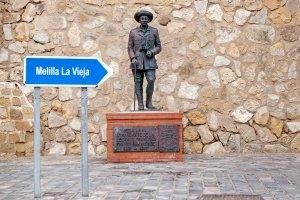 España retiró la última estatua del dictador Francisco Franco (Fotos)