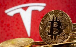 Tesla cae en Wall Street, arrastrado por las tecnológicas y el bitcóin