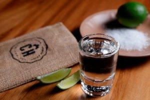 Los verdaderos efectos que causan en el cuerpo dos o más tragos de tequila