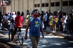 Venezuela superó los 137 mil contagios mientras la vacunación avanza lentamente