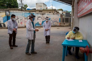 Otras 17 muertes por coronavirus extendieron el sensible luto en Venezuela