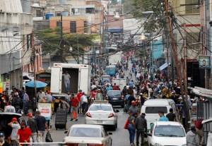 """Más de mil 100 contagios empañan el """"cohetazo"""" chavista durante la última jornada"""