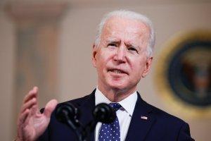 """Biden afirma que Israel tiene """"derecho legítimo a defenderse"""""""