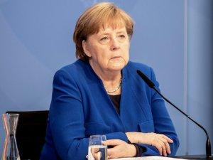 """Merkel quiere crear """"formatos de diálogo"""" entre la Unión Europea y Rusia"""