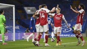 Arsenal le ganó al Chelsea y aumenta sus esperanzas de llegar a Europa