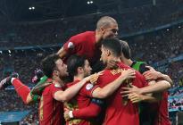 El pulso entre Cristiano Ronaldo y Benzema metió a Portugal en octavos