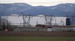 China cierra un reactor nuclear debido a daños en barras de combustible