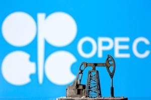 La producción de la OPEP alcanza en julio un máximo de 15 meses (encuesta Reuters)