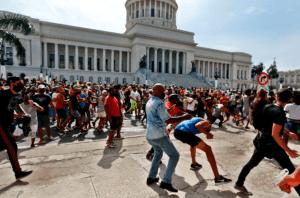 Intelectuales condenaron el acoso sistemático contra los artistas en Cuba