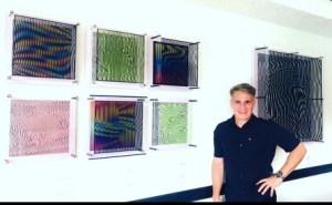 """Con su nueva línea de obras """"Distorted Cubes"""", el cinético Daniel Pérez Mora rompe fronteras"""