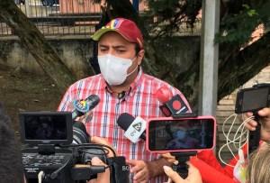 """Andrade contra Bernal: Se gastan la plata en bombillos mientras el Hospital de San Cristóbal """"se cae a pedazos"""""""