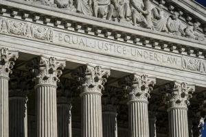 Administración Biden pide al Tribunal Supremo que bloquee la ley contra el aborto en Texas