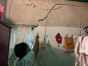 Habitantes de Campo Alegre en Maracay temen que las casas se les vengan encima (FOTOS)