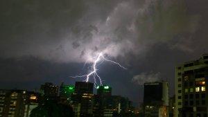 En IMÁGENES: Fuertes lluvias causaron estragos en varias zonas de Caracas este #17Oct